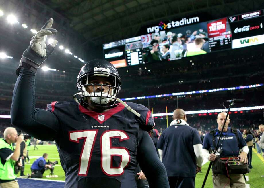 Houston Texans tackle Duane Brown (76) waves to the fans as he leaves the field after the Texans 27-14 win over the Oakland Raiders in an AFC Wild Card Playoff game at NRG Stadium on Saturday, Jan. 7, 2017, in Houston. ( Brett Coomer / Houston Chronicle ) Photo: Brett Coomer, Staff / © 2017 Houston Chronicle