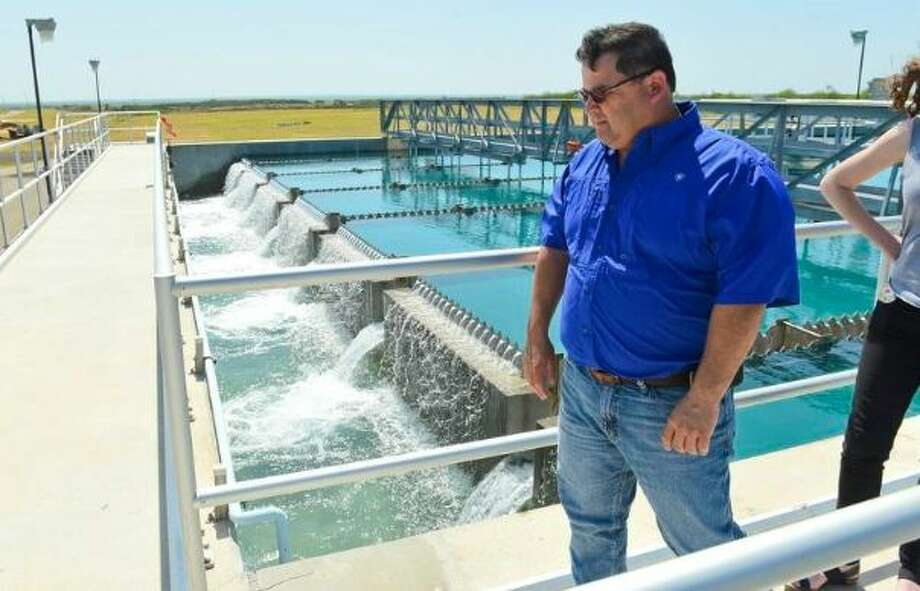 Water Treatment Supervisor Tony Moreno gives a tour of a resevoir treating the raw water at the El Pico Water Treatment Plant on Tuesday, May 2, 2017.  Photo: Danny Zaragoza/Laredo Morning Times