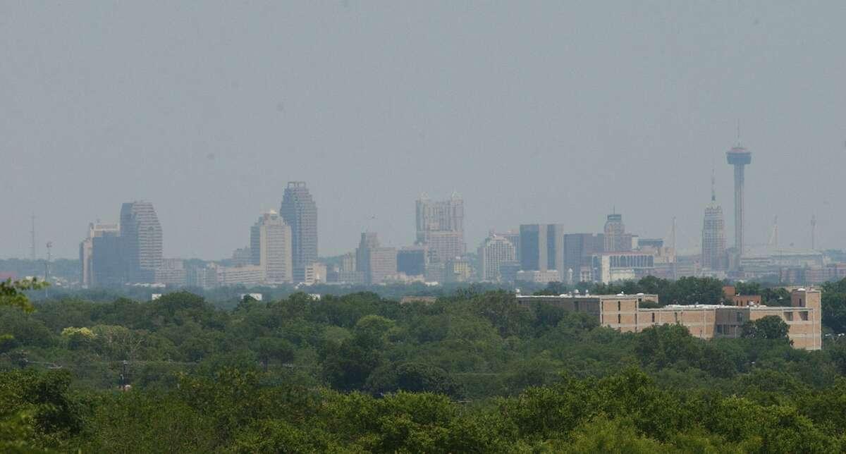 Haze covers downtown San Antonio Tuesday June 18, 2002. (Robert McLeroy/Staff)