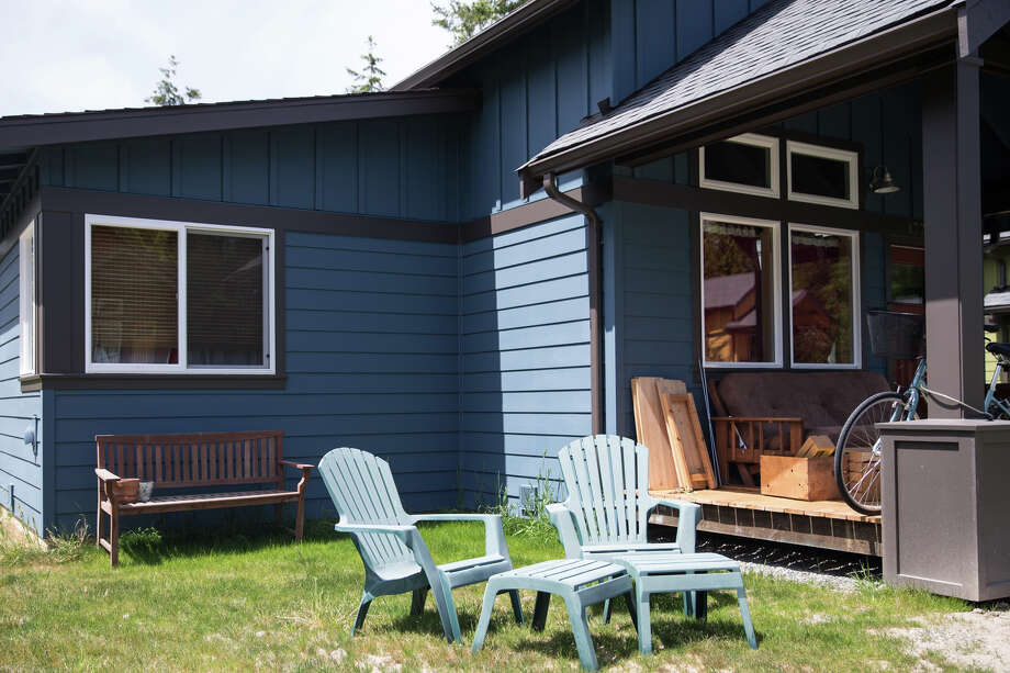 What does it cost to live in Seattle? Well, a bit less than some other spots.Click on through to see how much further your Seattle buck will go outside the city. Photo: GRANT HINDSLEY, SEATTLEPI.COM / SEATTLEPI.COM