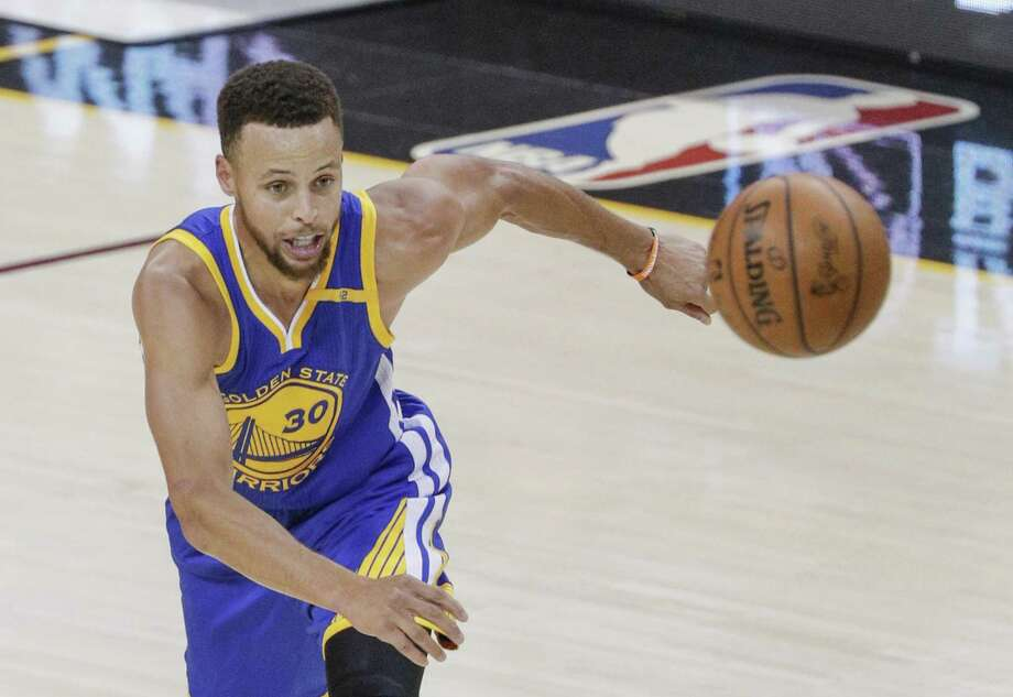Golden State Warriors' Stephen Curry chases down his own rebound in the first quarter during Game 3 of the 2017 NBA Finals at Quicken Loans Arena on Wednesday, June 7, 2017 in Cleveland, Ohio Photo: Carlos Avila Gonzalez / The Chronicle / online_yes