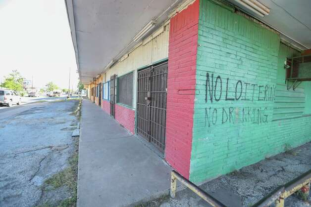 It is to find a job in Sunnyside. In the last 10 years, the community lost 200 businesses. Business in the 7800 blk of  Cullen Blvd are a few of those empty storefronts that closed within the last 10 years photographed Monday, May 1, 2017, in Houston. Photo: Steve Gonzales, Houston Chronicle / © 2017 Houston Chronicle