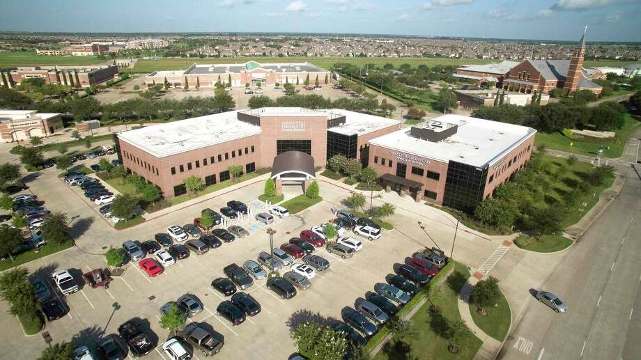 Memorial Hermann Surgical Hospital, located at 16902 Southwest Freeway in Sugar Land, Texas, was sold as part of a $58 million medical office building deal. The properties were purchased by a major U.S. public pension fund along with its strategic adviser, Everest Medical Properties. Photo: Everest Medical Properties