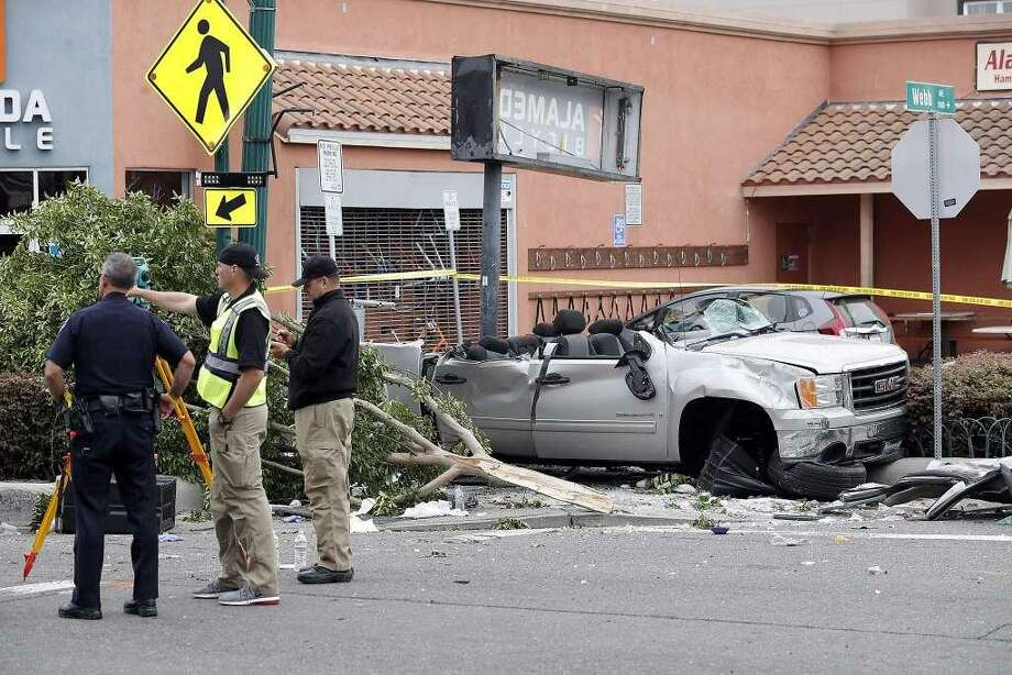 A third person died in a horrific Memorial Day crash in Alameda, officials said Thursday. Photo: The Chronicle / Carlos Avila Gonzalez / The Chronicle