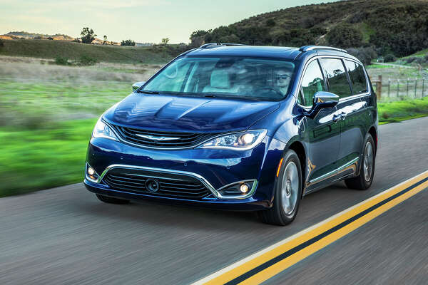 Fog lamps, LED daytime running headlamps and taillights, as well as body-colored power mirrors are standard on the Chrysler Pacifica hybrid platinum. The charging port is incorporated in the driver's side front quarter panel.