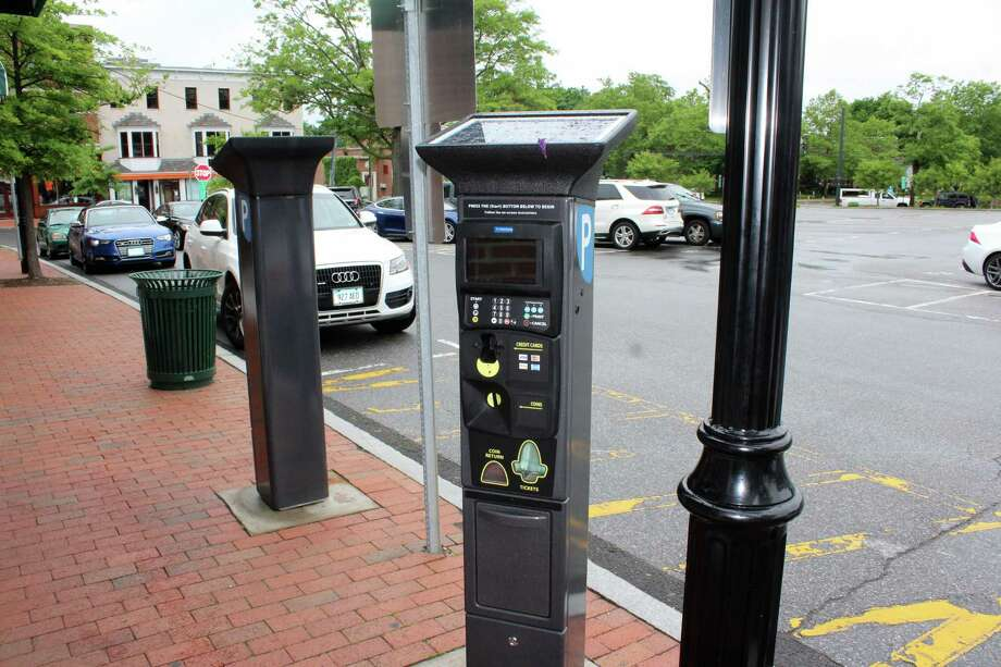 New parking machines at the Morse Court Lot in New Canaan on Tuesday. June 6, 2017. Photo: Justin Papp / Hearst Connecticut Media / New Canaan News