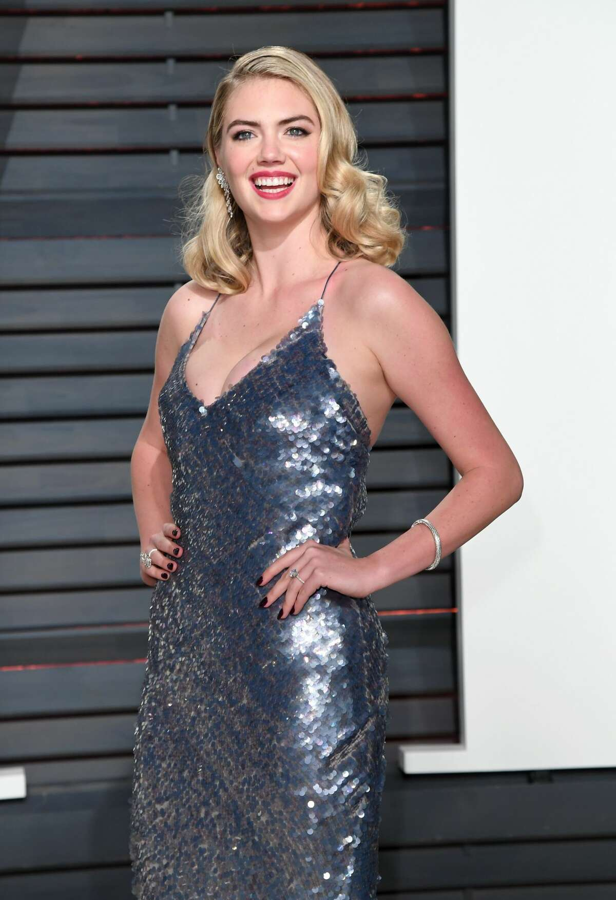 BEVERLY HILLS, CA - FEBRUARY 26: Kate Upton arrives for the Vanity Fair Oscar Party hosted by Graydon Carter at the Wallis Annenberg Center for the Performing Arts on February 26, 2017 in Beverly Hills, California. (Photo by Karwai Tang/Getty Images)