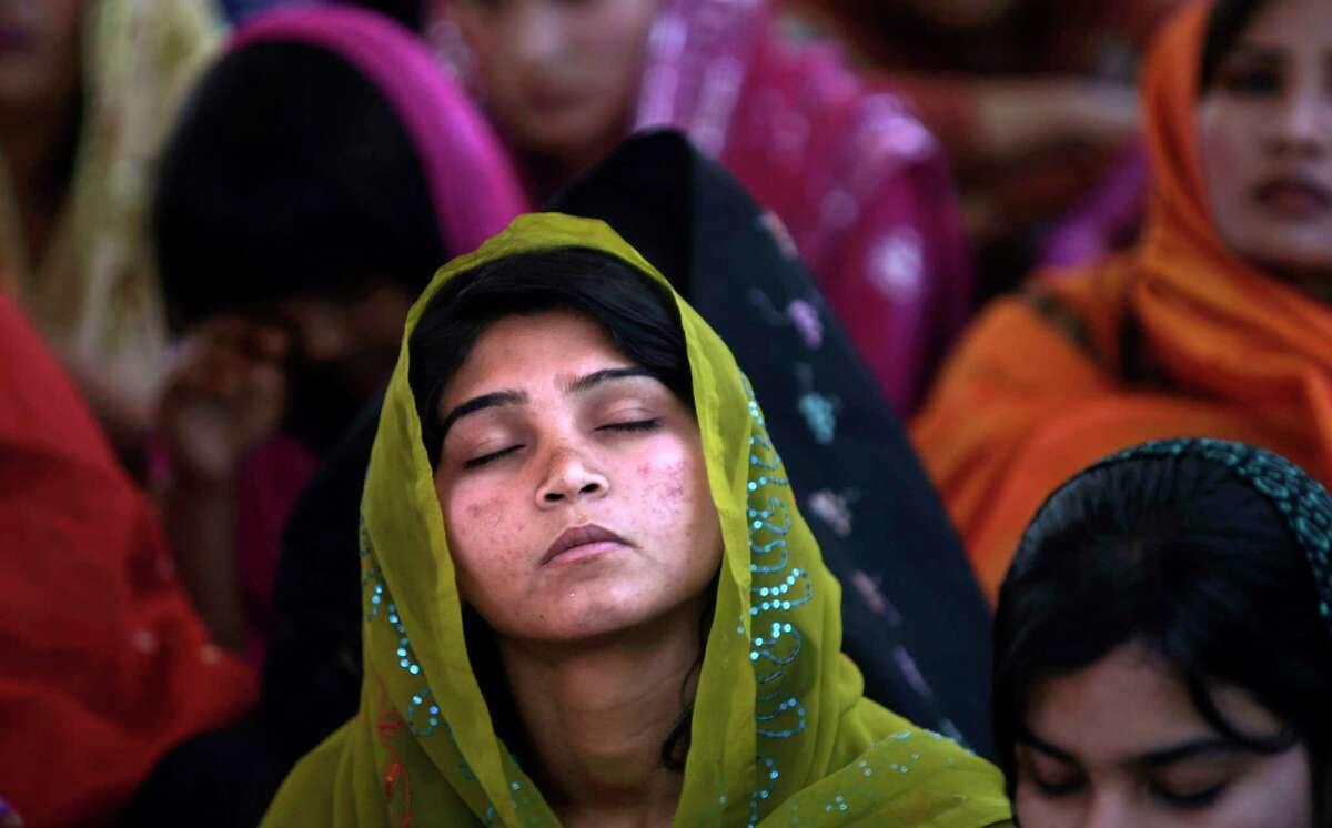 Woman islamabad divorced Pakistan Divorced
