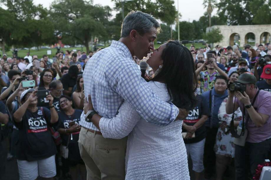 San Antonio mayoral candidate Ron Nirenberg kisses his wife, Erika Prosper, after addressing a jubilant crowd at his campaign headquarters, Saturday, June 10, 2017. Early results in the run off election against Mayor Ivy Taylor, Nuremberg held a nine-point lead. Photo: JERRY LARA / San Antonio Express-News / © 2017 San Antonio Express-News