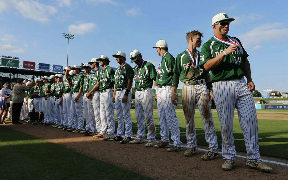 Reagan stands with their silver medals after falling to Deer Park 7-2 during a Class 6A UIL state championship at Dell Diamond in Round Rock, Saturday, June 10, 2017. (Stephen Spillman) Photo: Stephen Spillman / Stephen Spillman / stephenspillman@me.com Stephen Spillman