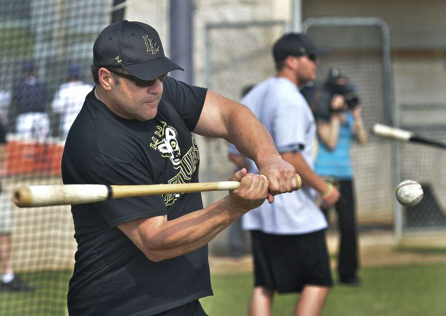Former Lemurs manager Pete Incaviglia has joined the Texas AirHogs as the hitting and bench coach. But Texas, along with other teams with heavy Laredo ties, has slumped out of the gate in 2017. Photo: Cuate Santos /Laredo Morning Times File / LAREDO MORNING TIMES