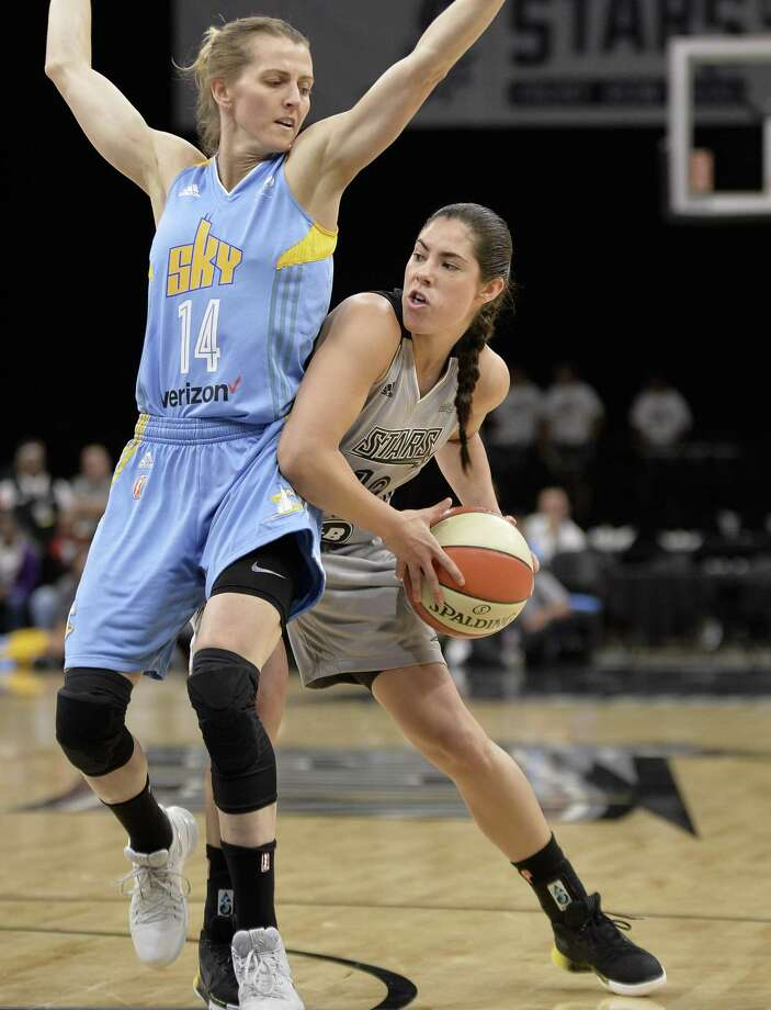 San Antonio Stars guard Kelsey Plum, right, drives around Chicago Sky guard Allie Quigley during the first half of a WNBA basketball game, Saturday, June 10, 2017, in San Antonio. (Darren Abate/For the Express-News) Photo: Darren Abate, FRE / San Antonio Express-News / Darren Abate
