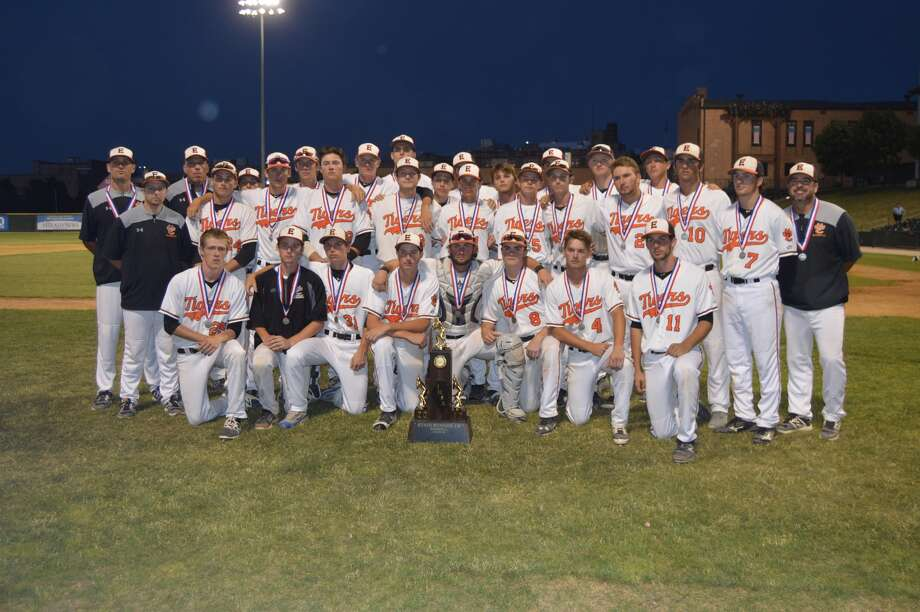 EHS baseball poses with second-place trophy