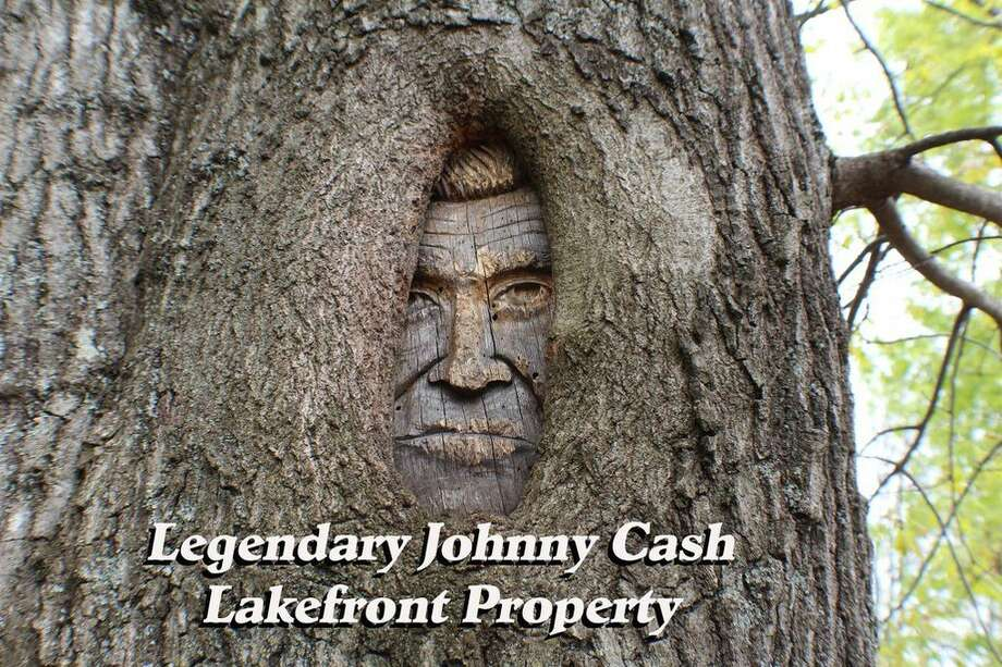 """Johnny Cash's lakeside property in  Hendersonville, TN, is on the market for $3.95 million. The Cash family home was depicted in the Oscar-winning biopic """"Walk the Line,"""" and Cash's famous video for the song """"Hurt"""" was shot in the home. Photo: Realtor.com"""