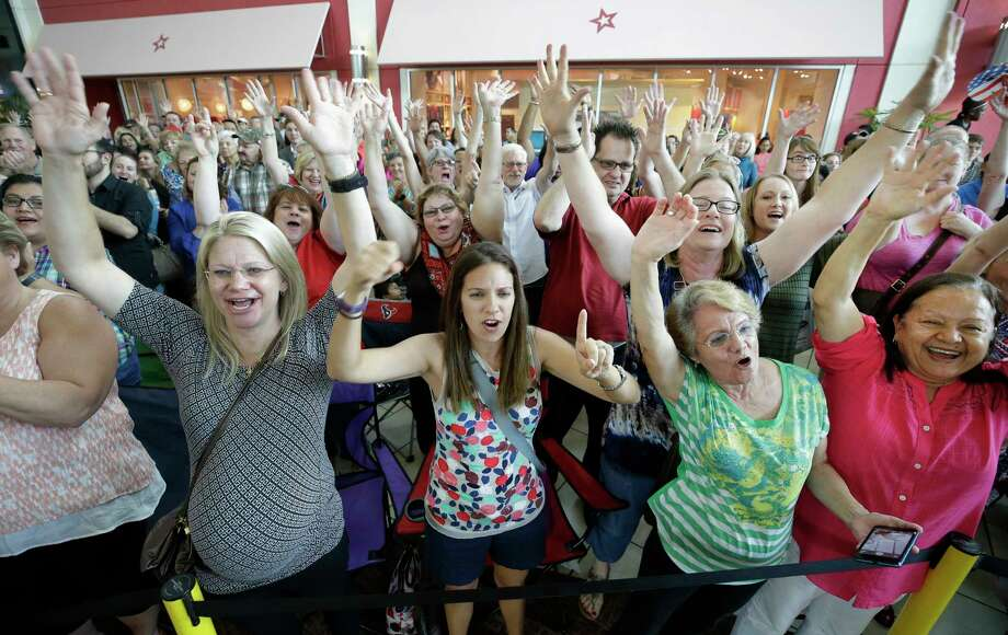 Fans cheer during the Wheel of Fortune Wheelmobile contestant search event at Memorial City Mall Sunday, June 11, 2017, in Houston. ( Melissa Phillip / Houston Chronicle ) Photo: Melissa Phillip, Staff / © 2017 Houston Chronicle