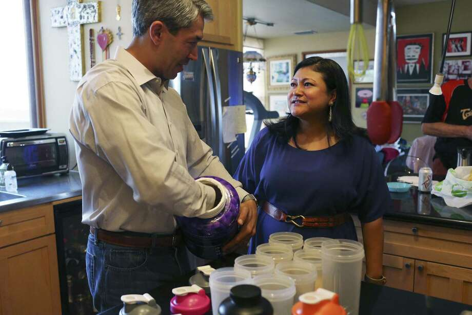 San Antonio Mayor-elect Ron Nirenberg talks with his wife, Erika Prosper, as he makes his protein shakes for the week, Sunday, June 11, 2017. Nirenberg won a run off election against Mayor Ivy Taylor by a 10-point margin on Saturday. He will take office on June 22. Photo: JERRY LARA /San Antonio Express-News / © 2017 San Antonio Express-News