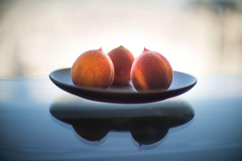 Gold Dust peaches from Masumoto Family Farm. Photo: Paul Kuroda, Special To The Chronicle