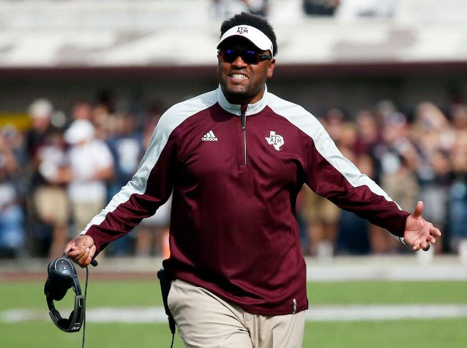 Texas A&M head coach Kevin Sumlin reacts to a official's call in the first half of an NCAA college football game against Mississippi State in Starkville, Miss., Saturday, Nov. 5, 2016. Photo: Rogelio V. Solis /AP Photo