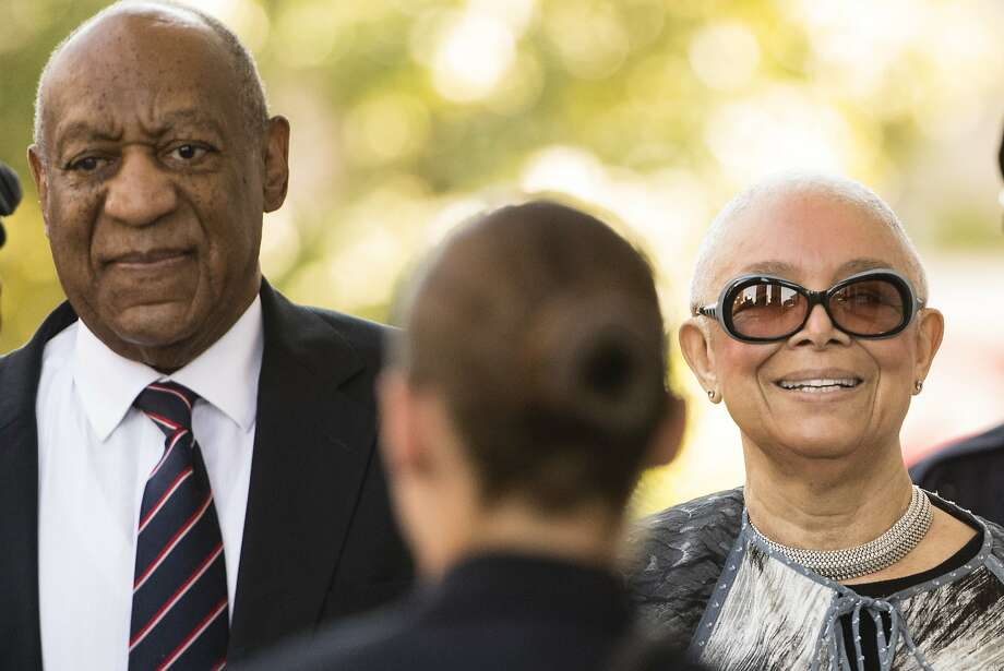 Bill Cosby and his wife Camille Cosby are seen at the beginning of the trial.>>Keep clicking for a look at the famous people who supported Bill Cosby during the scandal. Photo: Matt Rourke, Associated Press