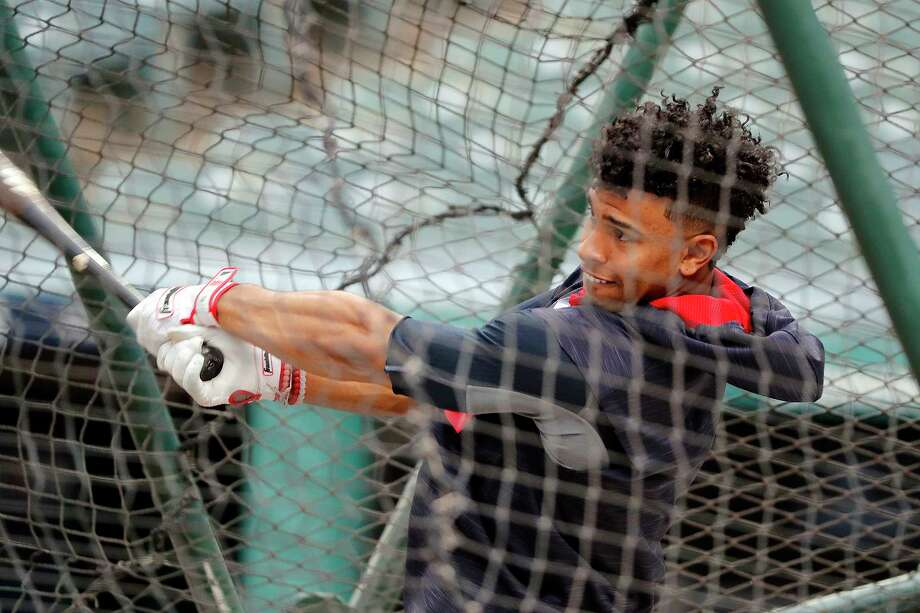 CLEVELAND, OH - JUNE 09:  Francisco Lindor #12 of the Cleveland Indians takes batting practice before the game against the Chicago White Sox at Progressive Field on June 9, 2017 in Cleveland, Ohio. (Photo by Justin K. Aller/Getty Images) ORG XMIT: 700011154 Photo: Justin K. Aller / 2017 Getty Images