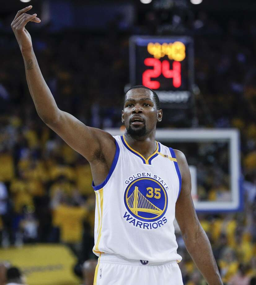Golden State Warriors' Kevin Durant is seen in the second quarter during Game 5 of the 2017 NBA Finals at Oracle Arena on Monday, June 12, 2017 in Oakland, Calif. Photo: Carlos Avila Gonzalez, The Chronicle