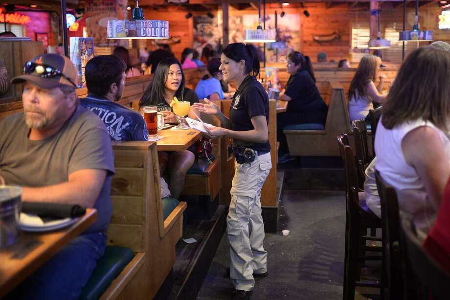 Texas Roadhouse opened in June 2017 its first restaurant in southwestern Connecticut, at 74 Newtown Rd. in Danbury. James Durbin/Reporter-Telegram Photo: James Durbin / James Durbin / © 2016 Midland Reporter Telegram. All Rights Reserved.