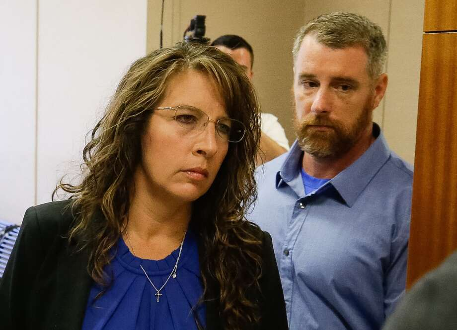 Harris County Sheriff's deputy Chauna Thompson and her husband, Terry Thompson, arrive to court, Tuesday, June 13, 2017. The couple was indicted on murder charges in the death of John Hernandez who died  in the hospital on May 31 following the May 28 confrontation with the couple outside a Denny's restaurant. A medical examiner ruled that he died of lack of oxygen to the brain caused by strangulation and chest compression. Photo: Melissa Phillip/Houston Chronicle