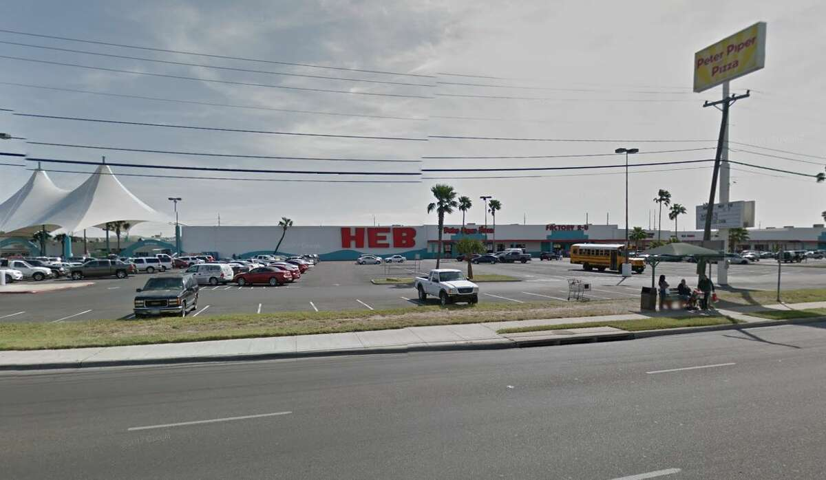 The H-E-B at 4801 San Dario Ave is shown.