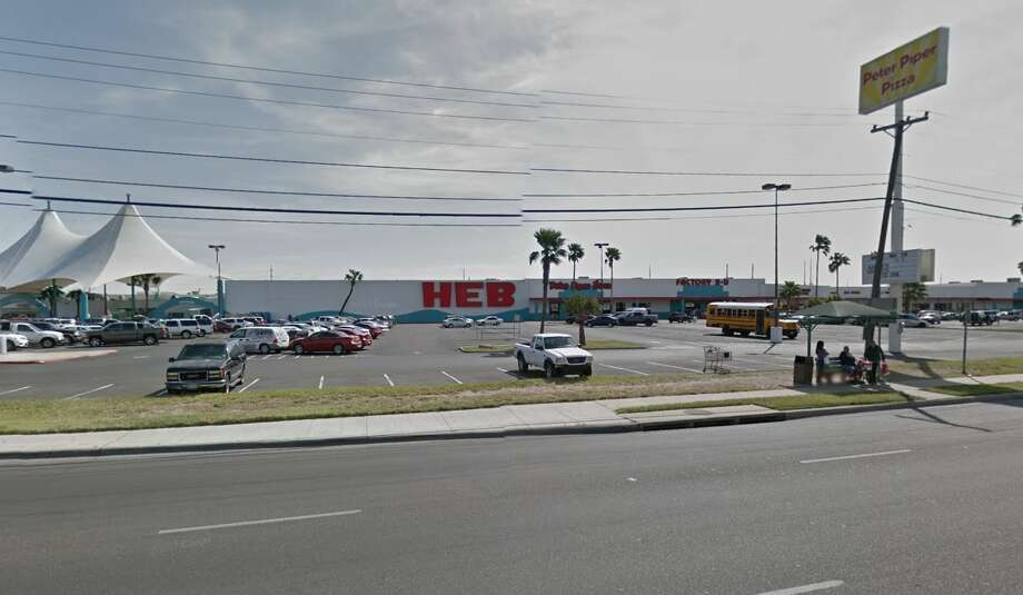 The H-E-B at 4801 San Dario Ave is shown. Photo: Google Maps/Street View