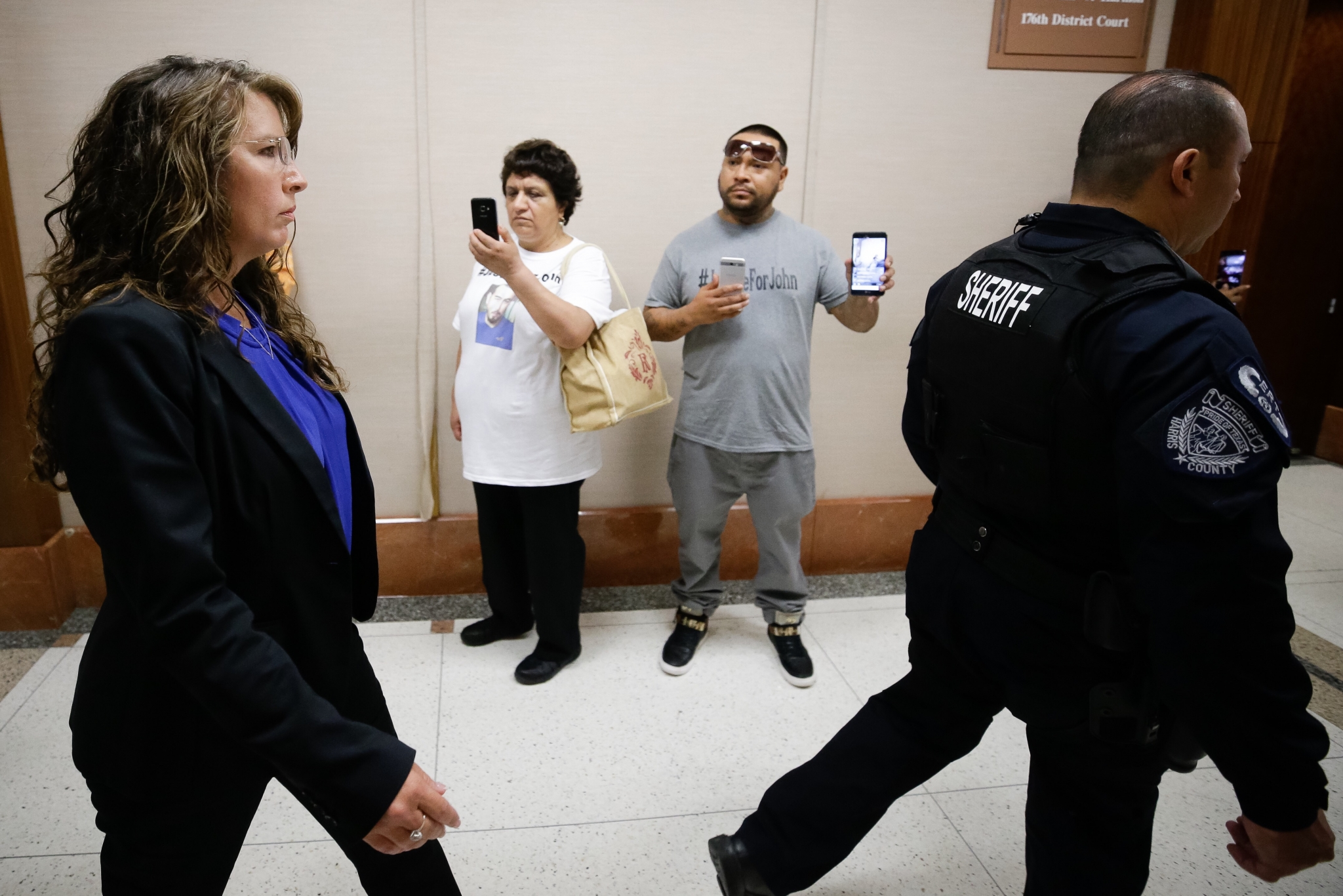 John hernandez state farm agent - Deputy Husband Could Face Criminal Civil Penalties Over Denny S Choking Death Houston Chronicle
