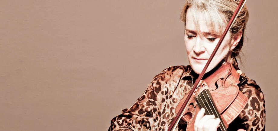 Violinist Lucie Robert