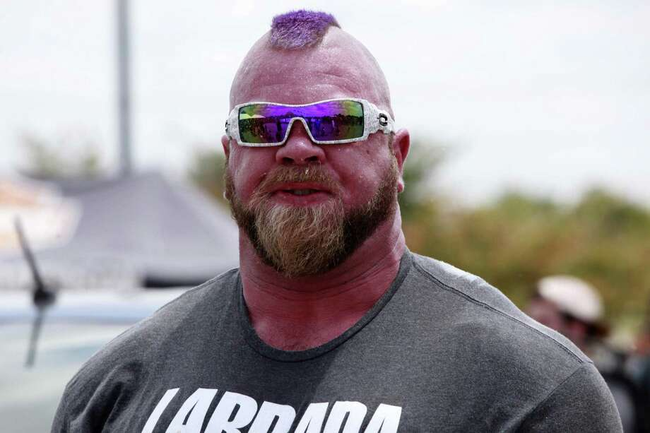 Brian Vickers, 40, exhales, after performing the dual car deadlift at the International Strongman Competition at Gruene Harley Davidson, New Barunfels on June 10. Photo: Srijita Chattopadhyay, Staff / San Antonio Express-News / © 2017 San Antonio Express-News
