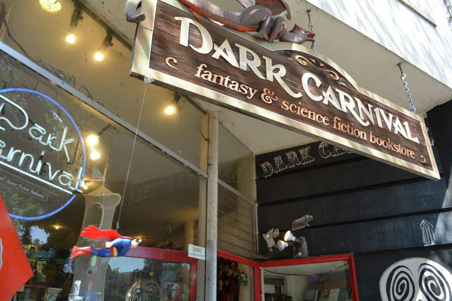 Dark Carnival holds 50,000 fantasy and science fiction titles. After 41 years, the Berkeley store will close for good. Photo: John McMurtrie / The Chronicle / ONLINE_YES