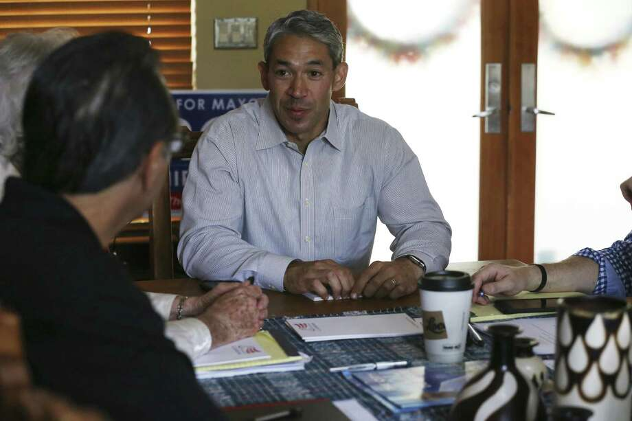 San Antonio Mayor-elect Ron Nirenberg meets with his transition team at his house, Sunday, June 11, 2017. Nirenberg won a run off election against Mayor Ivy Taylor by a 10-point margin. He will take office on June 22. Photo: JERRY LARA / San Antonio Express-News / © 2017 San Antonio Express-News