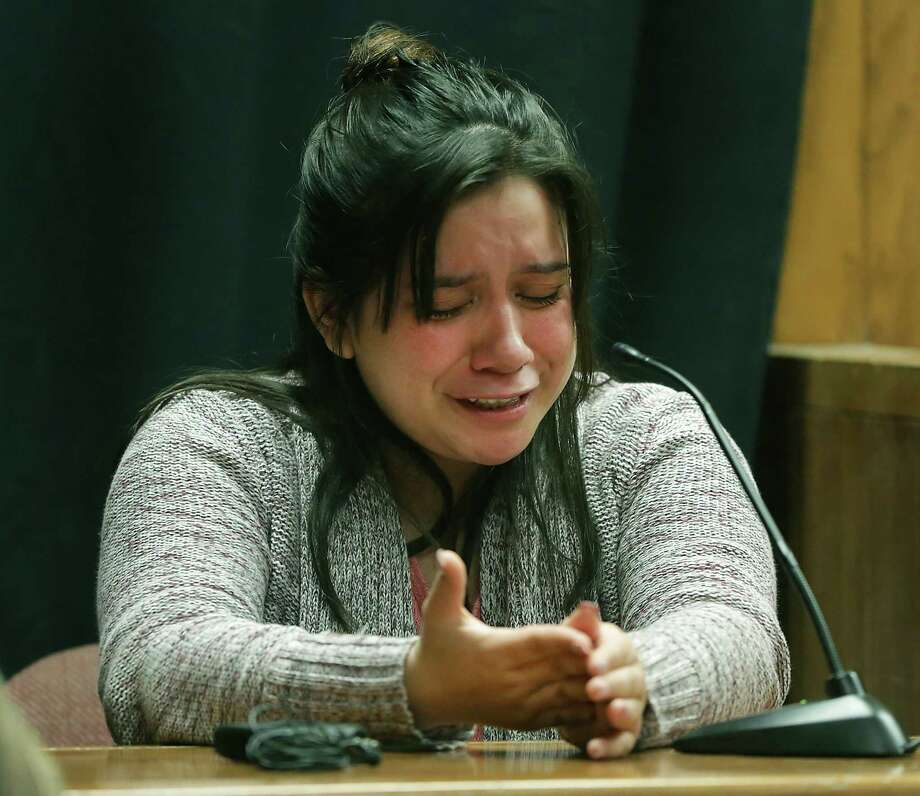 Jacqueline Sanchez, a friend of murder victim Amanda Acosta, breaks down as she testifies during the murder trial of Julian Martinez, accused of murdering teen Acosta, in Impact Court in the Bexar County Courthouse on Tuesday, June 13, 2017. Photo: Bob Owen, Staff / San Antonio Express-News / ©2017 San Antonio Express-News
