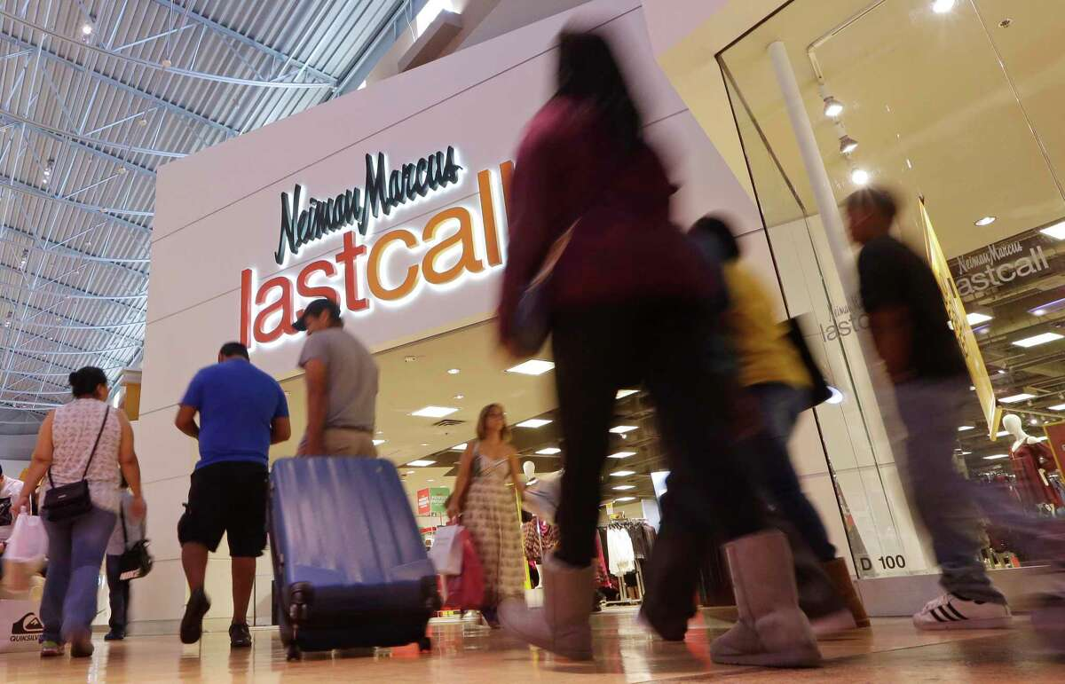 Click ahead to view stores projected to close in 2018. Neiman Marcus Last Call is projected to close around 10 stores in 2018.