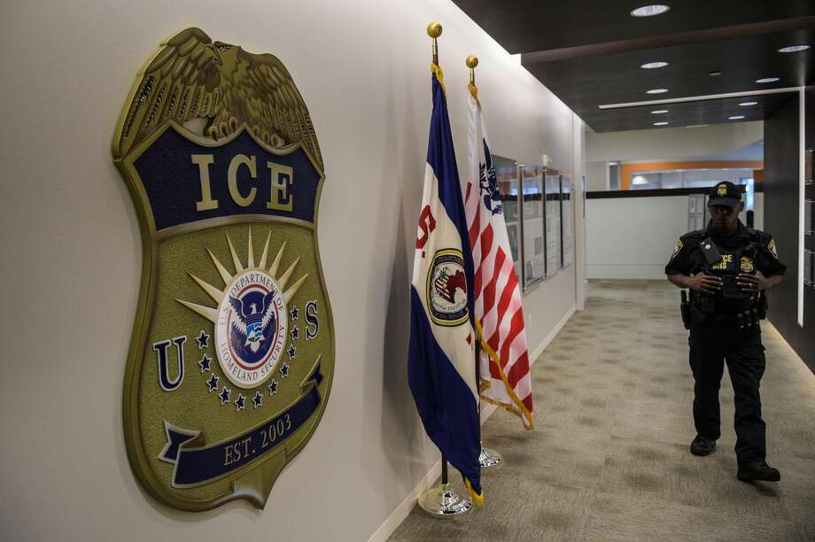 "A Seattle Immigration and Customs Enforcement deportation officer is accused of pointing her service pistol ICE officer after being told to sign an ""performance improvement plan."" Photo: Photo By Salwan Georges/The Washington Post Via Getty Images"
