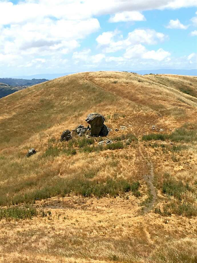 At first sight, Bird Head Rock doesn't look like much, a vertical sandstone outcrop with some broken-off pieces sitting aside its base, along Las Trampas Ridge in the Las Trampas Wilderness near San Ramon Photo: Tom Stienstra, Richard DeGraffenreid / Special To The Chronicle