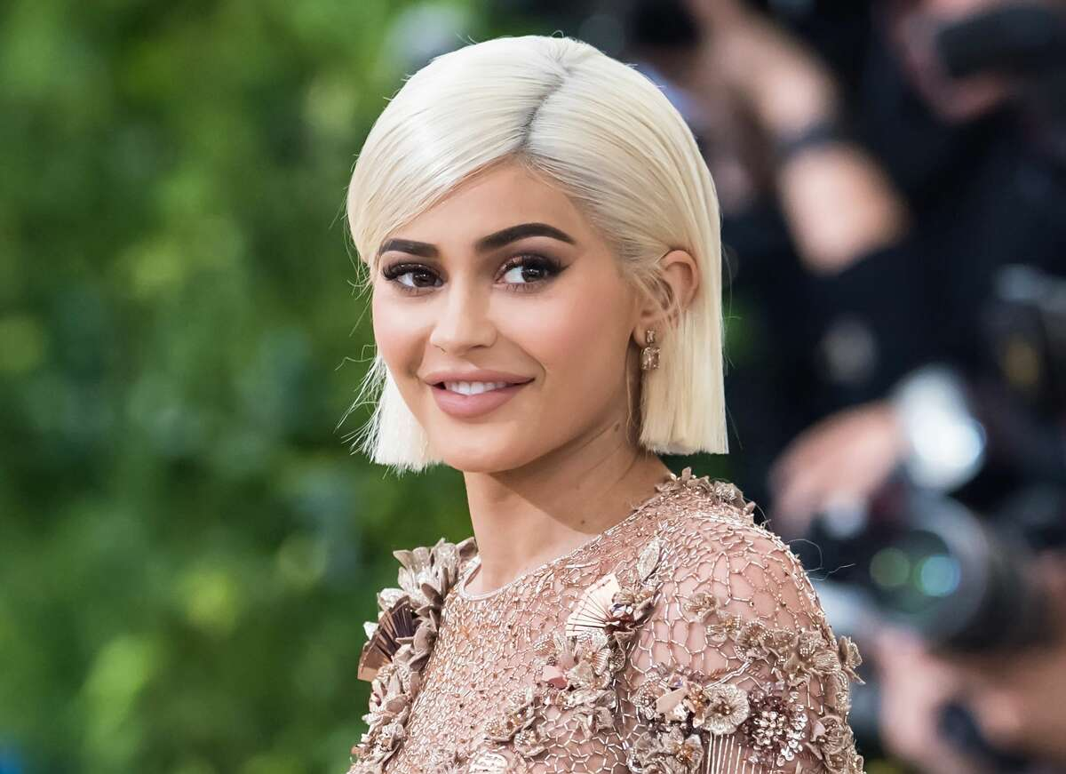 Kylie Cosmetics Pop-up: From Monday, Nov. 20 to Dec. 20 at the Topshop in the Houston Galleria, you can physically purchase the hugely popular makeup products. Kylie Jenner created two new lip sets exclusively for Topshop in eight new shades. More Details: us.topshop.com