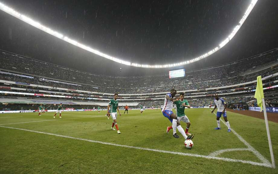 Sunday's United States-Mexico match at Azteca Stadium drew 2.8 million viewers at its peak for FS1, and 4.5 million U.S. viewers on Univision. Photo: Rebecca Blackwell, Associated Press