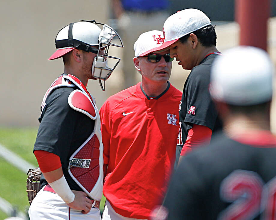 University of Houston pitching coach Frank Anderson is leaving to take the same position at Tennessee. Photo: James Nielsen/Houston Chronicle