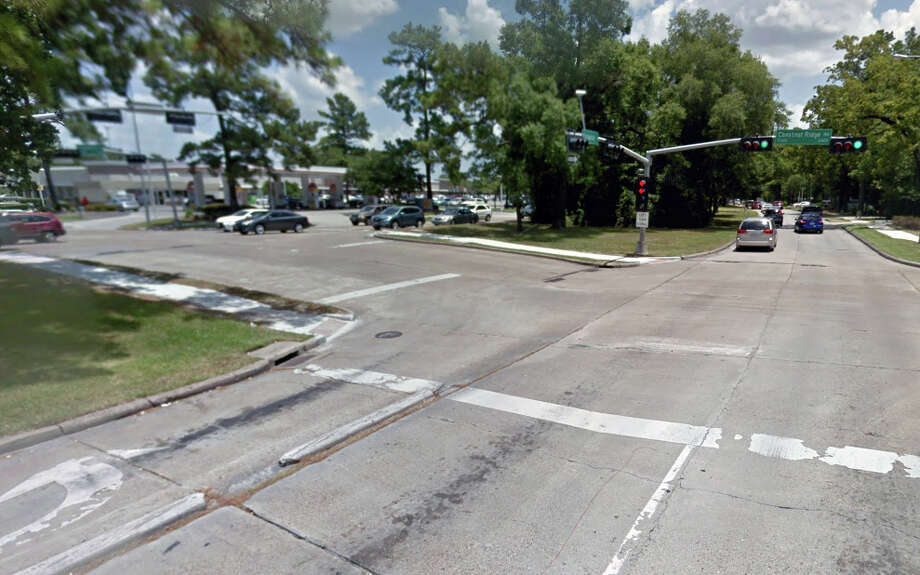 A dual panel replacement is scheduled to occur at Kingwood Drive and Chestnut Ridge in Kingwood through Friday, June 23. Photo: Courtesy Of Google