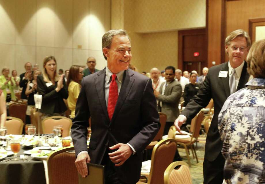 House Speaker Joe Straus prepares to address about 375 school board members and superintendents at a Texas Association of School Boards conference in San Antonio. Readers commend the speaker for his comments that were critical of the GOP leadership in Austin. Photo: Ron Cortes /