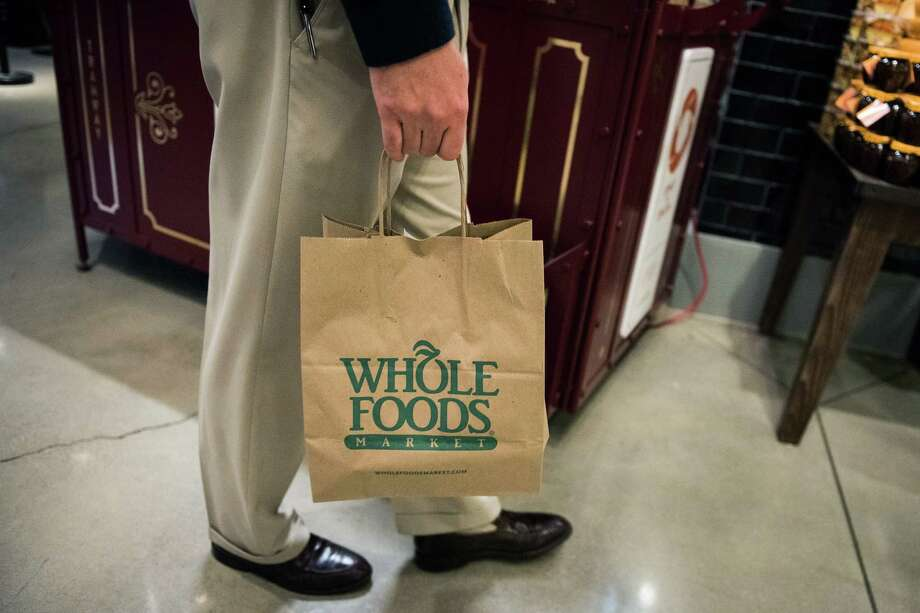 Wbole Foods' same-store sales have declined for seven straight quarters. Photo: Mark Kauzlarich / © 2017 Bloomberg Finance LP