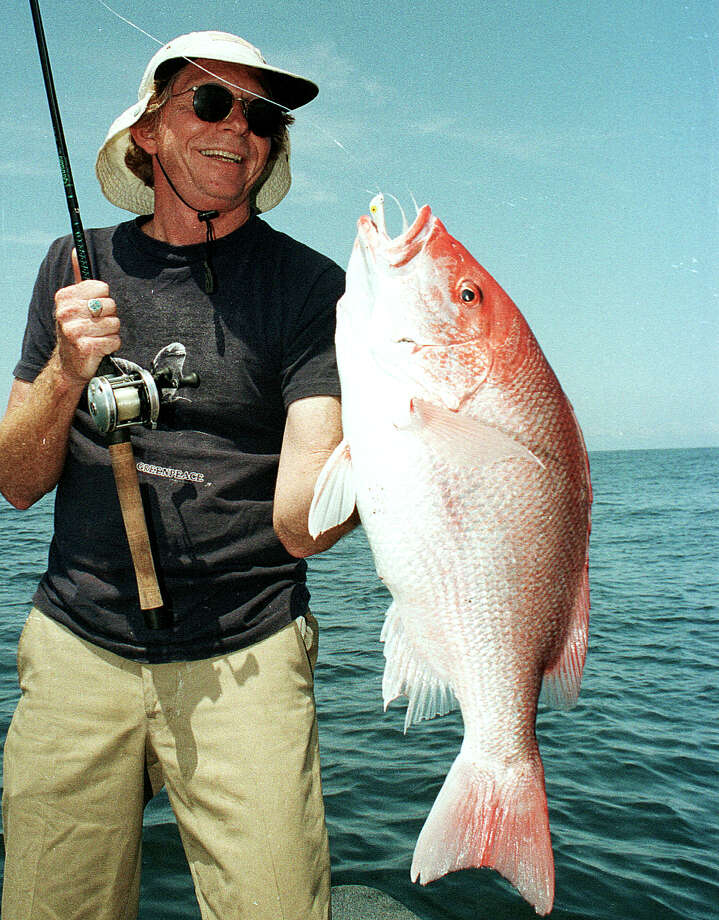 A deal between federal and state fisheries officials that trades closing state waters to recreational red snapper fishing during weekdays for opening both state and federal waters Friday-Sunday though Labor Day takes effect Friday. Photo: Shannon Tompkins