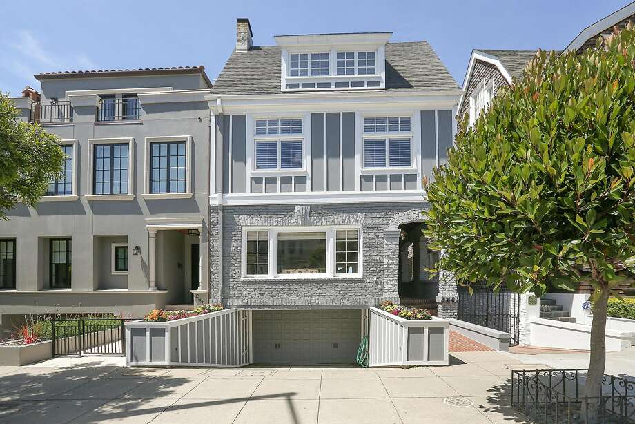 2664 Filbert St., is a four bedroom that was built in 1909. Photo: Open Homes Photography
