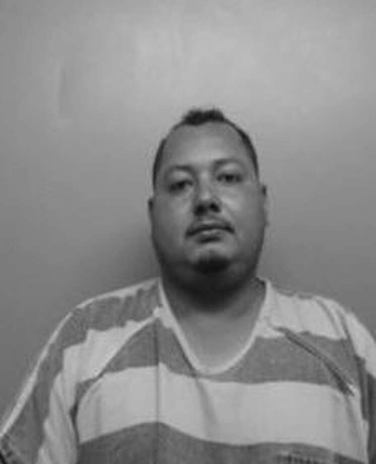Noel Antonio Ruiz-Martinez, 32, was charged with two counts of aggravated assault. Photo: Webb County Sheriff's Office