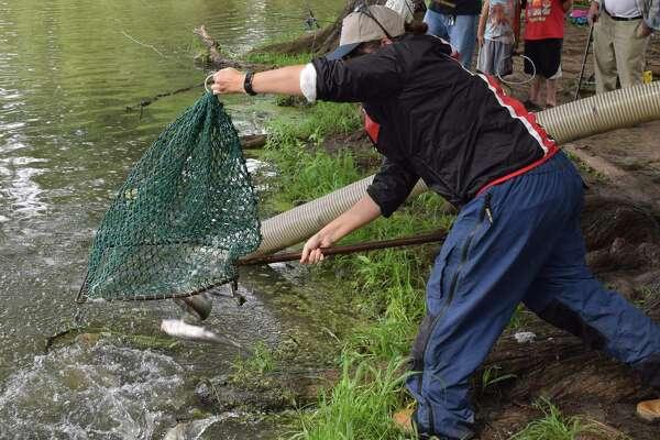Neighborhood Fishin' program promotes family fun