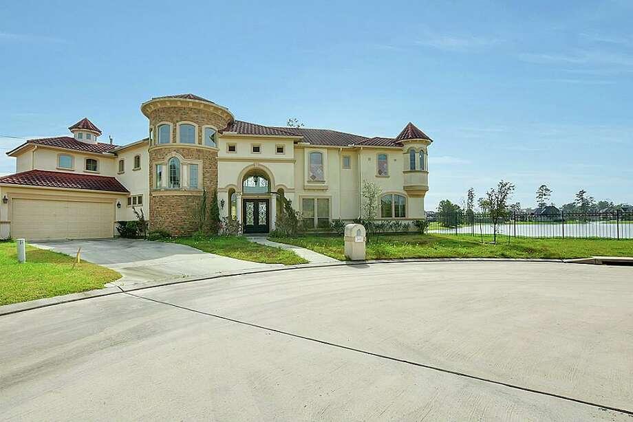 Spring Area26002 Carolina Cherry: $649,999 / 5,194 square feet Photo: Houston Association Of Realtors