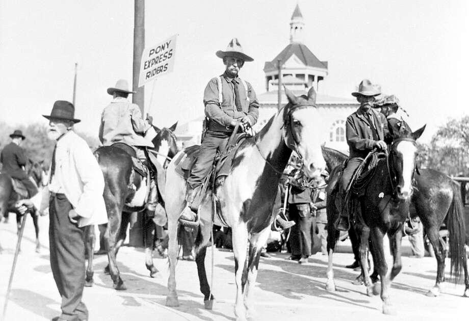 Pony Express Riders. Photo: Ernst Wilhelm Raba